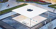 Apple'ın meşhur cam tavanı su sızdırıyor!