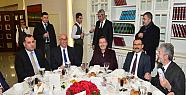 Başkan Melih Gökçek, Belediye Meclisi üyelerini yemekte ağırladı
