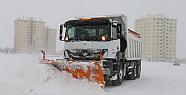 Karaman'da Belediye kar temizleme  çalışmalarına aralıksız devam ediyor