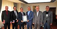 Karaman'da Şair ve Yazarlar Vali Tapsız'ı Ziyaret Etti