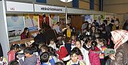 Mersin Büyükşehir Belediyesi standına kitap severler ilgi gösterdi