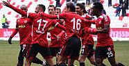 Sivasspor - Göztepe maçını Sivasspor 3-0 kazandı