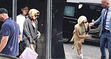 Lady Gaga Yakında Çarşaf Giyip Gezerse Şaşırmayın !!!