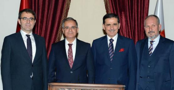 Vali Tapsız'dan Ankara Valisi Topaca'ya Ziyaret